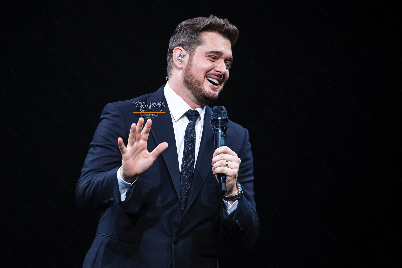 MICHAEL BUBLE 2.jpg