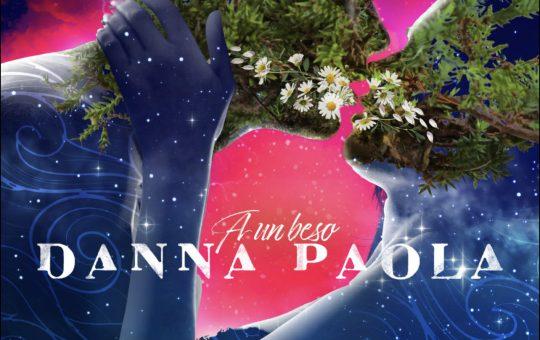 Danna Paola - A Un Beso